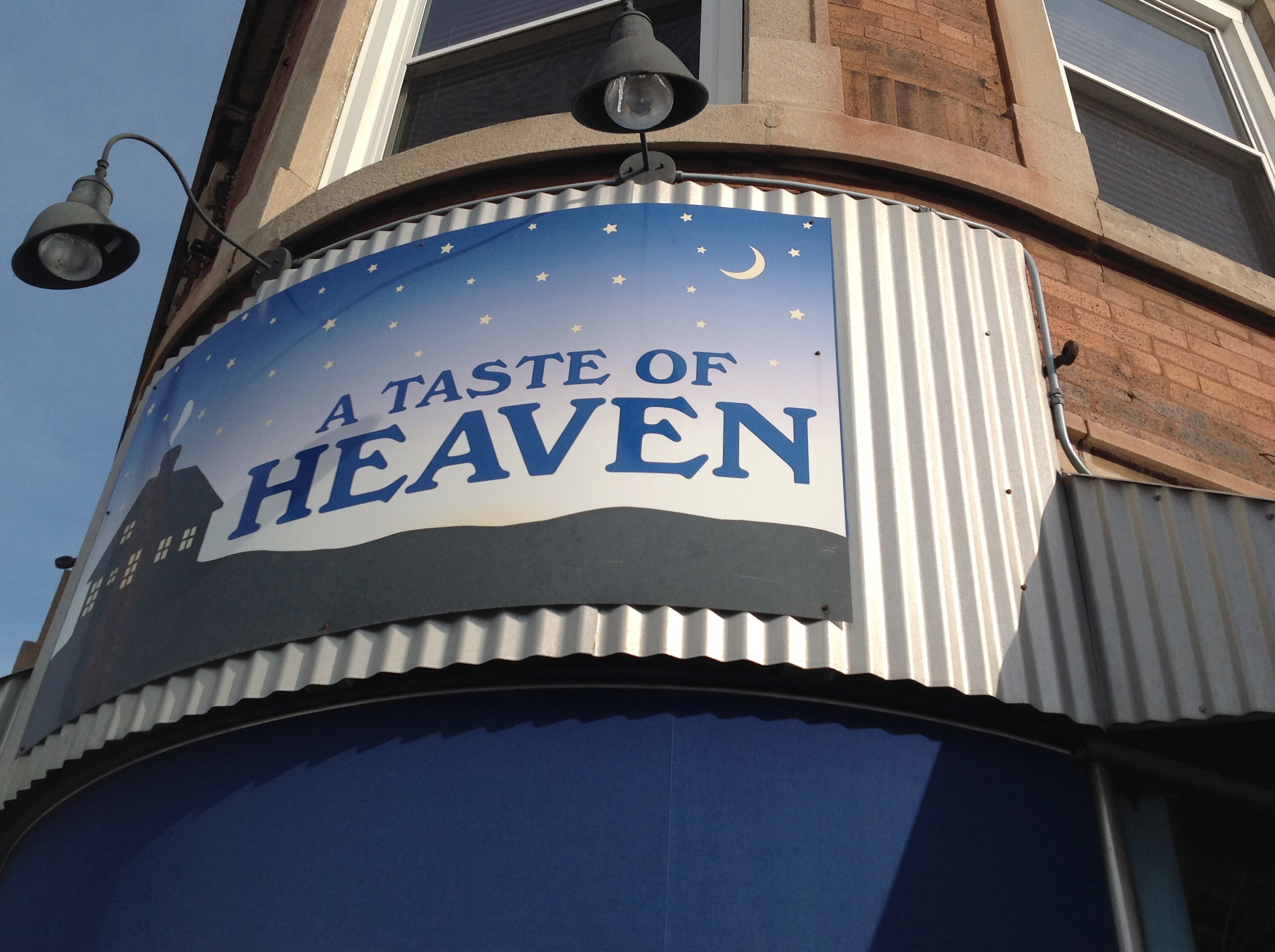 A Taste Of Heaven Is Located At 5401 N Clark St In Andersonville This Restaurant Reachable From The Redline Argyle Stop Within Bit Walk