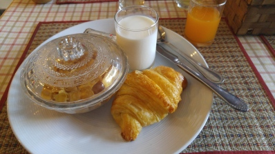 breakfast at the hotel, it can take awhile for breakfast to arrive so give yourself time