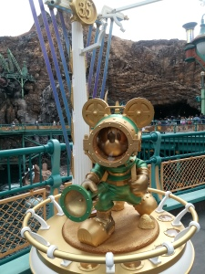 35th anniversary Mickey Mouse statue found on the Mysterious Island with a flashlight and in old fashion scuba gear