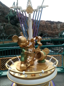 35th anniversary Mickey Mouse statue found on the Mysterious Island studying kelp