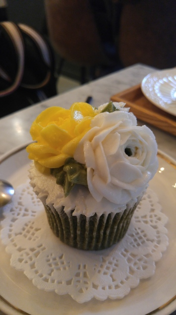 buttercream flower cake, 6,000 won